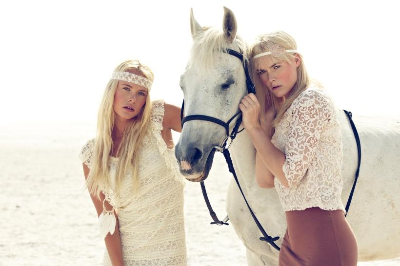 Model: Leonie Stegink Model: Jaimy Boeve Photo & Composing: Dirk Schumacher